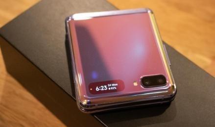 نقد و بررسی گوشی تاشو سامسونگ Galaxy Z Flip