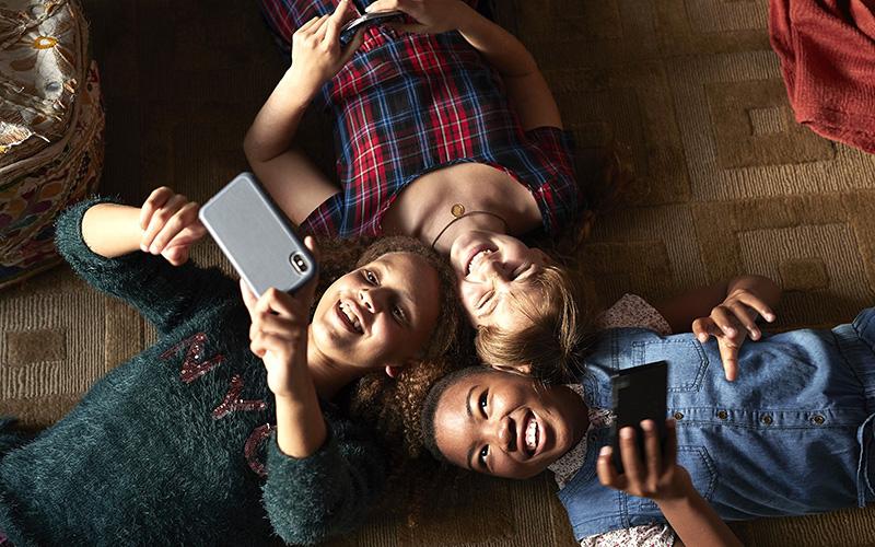 نوجوانان و تلفن همراه
